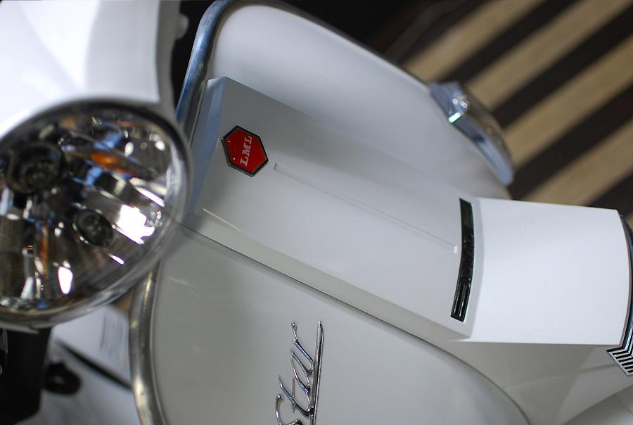 LML Star Automatic 125 ピュアホワイト入荷!_d0099181_21113364.jpg