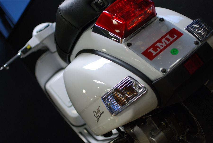 LML Star Automatic 125 ピュアホワイト入荷!_d0099181_211968.jpg