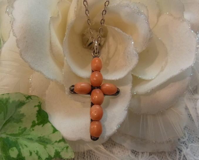 珊瑚のクロス_d0127182_1774778.jpg