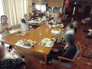 食事つくり<アクティブライフ山芦屋・グループホーム>_c0107602_13291396.jpg