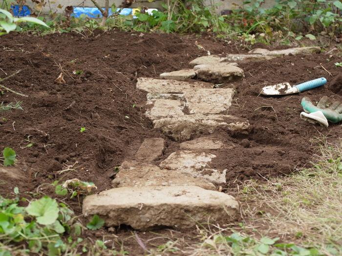 石の小道の作り方_e0276411_16341789.jpg