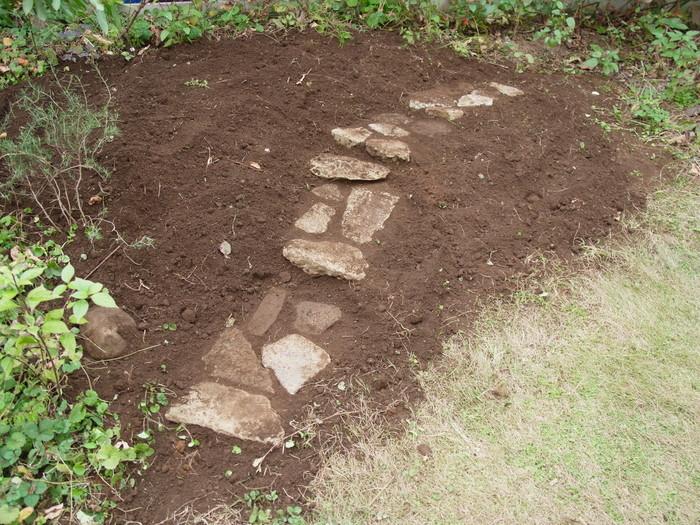 石の小道の作り方_e0276411_1634254.jpg
