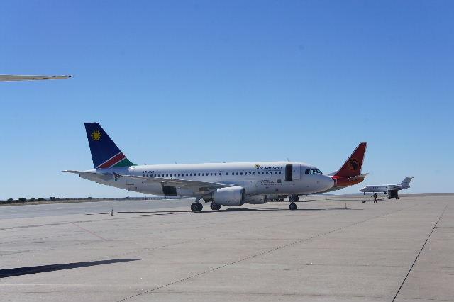 ナミビアの旅(39) エトーシャからウイントフックへ・・・そして帰国_c0011649_8572589.jpg