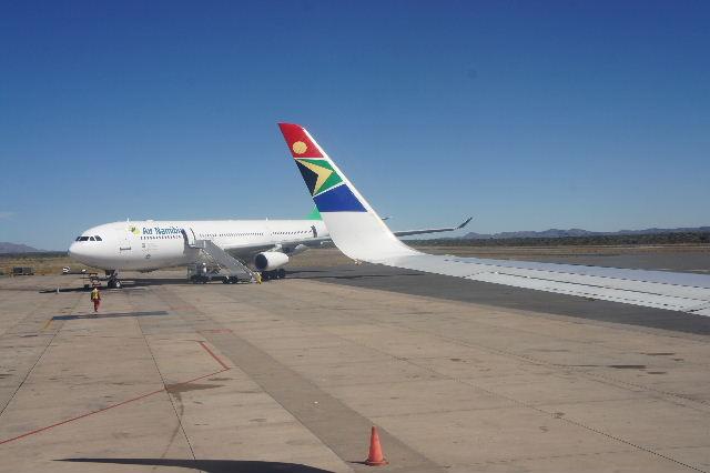 ナミビアの旅(39) エトーシャからウイントフックへ・・・そして帰国_c0011649_8581384.jpg