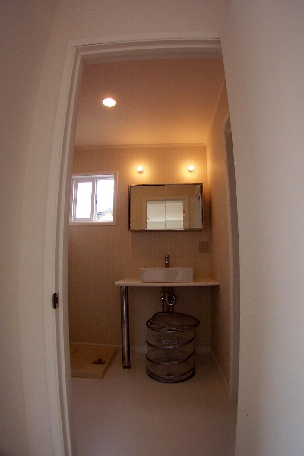 シンプル!素敵な洗面所!!_b0129758_10461568.jpg