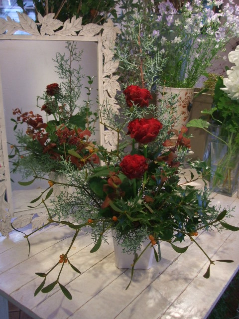 オークリーフ花の教室(赤地さんと宮原さんの作品)_f0049672_1856711.jpg