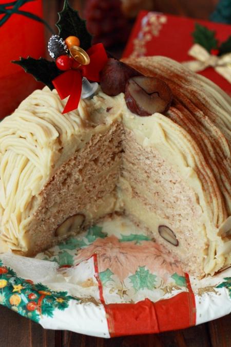 クリスマスケーキの受け渡しが始まりました。_b0057979_00082442.jpg
