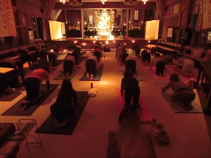 2014 寺yoga日程 と 様子のお写真を_b0188106_23374576.jpg