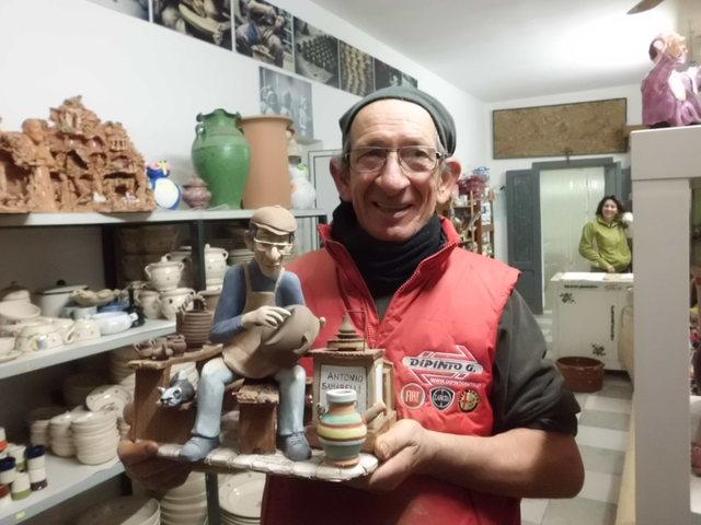 テラコッタ陶器の工房見学_b0305039_23435148.jpg