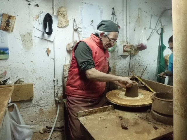 テラコッタ陶器の工房見学_b0305039_23463122.jpg