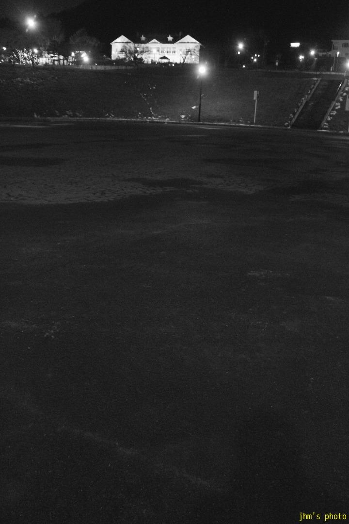 夕日の丘行きバス通りの夜_a0158797_10191648.jpg