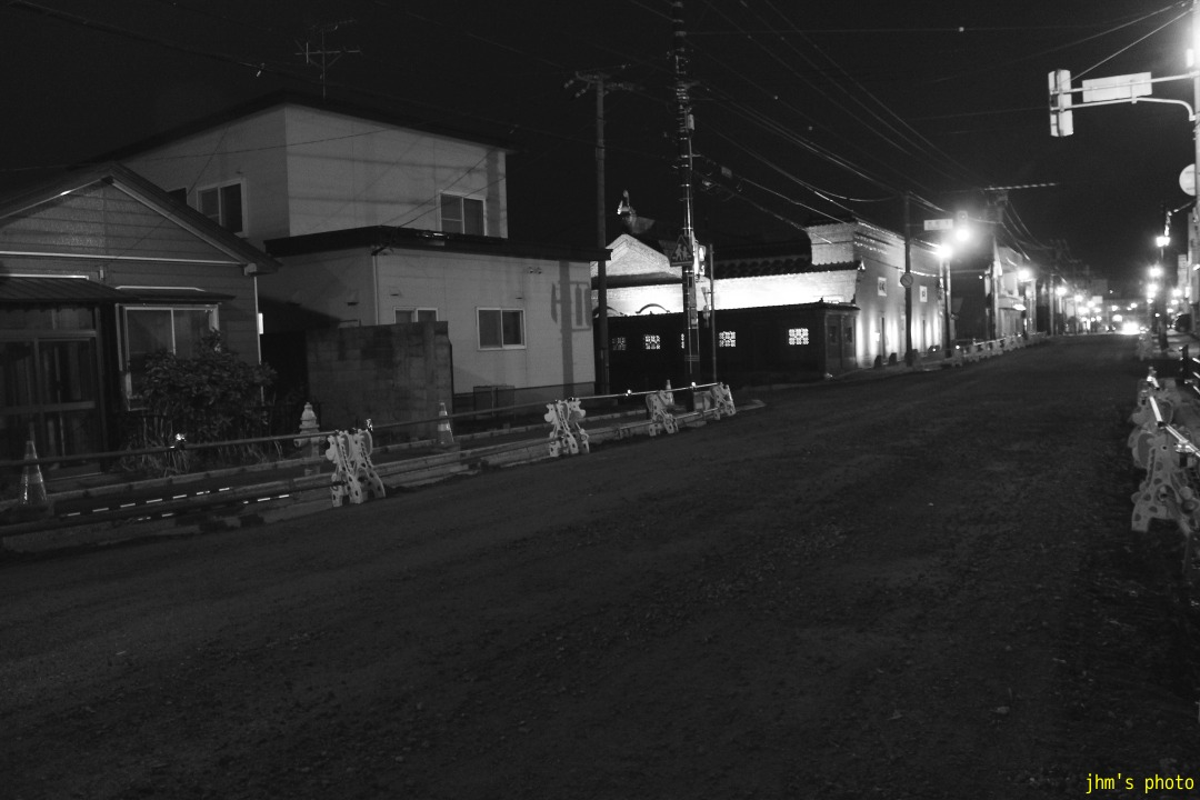 夕日の丘行きバス通りの夜_a0158797_10203261.jpg