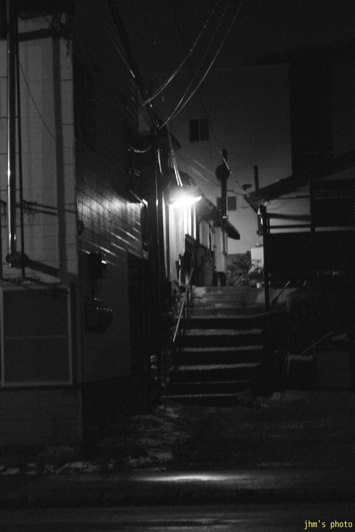 夕日の丘行きバス通りの夜_a0158797_10213097.jpg