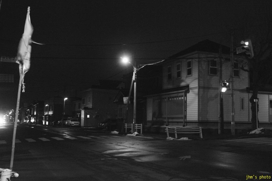 夕日の丘行きバス通りの夜_a0158797_10224317.jpg