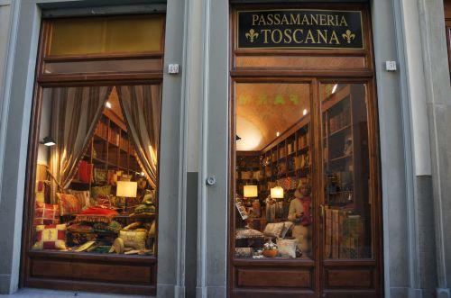フィレンツェのタッセル屋さん_f0106597_01240427.jpg