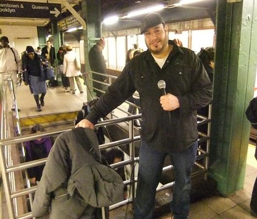 NYの地下鉄シンガー、David Laboyさんの歌うThe A Team_b0007805_10211882.jpg