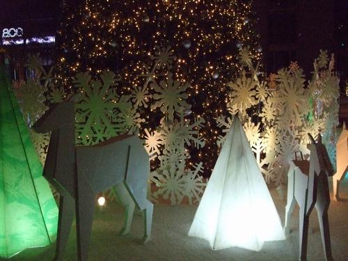 UOB プラザ前のクリスマスツリー♥_e0303431_23591967.jpg