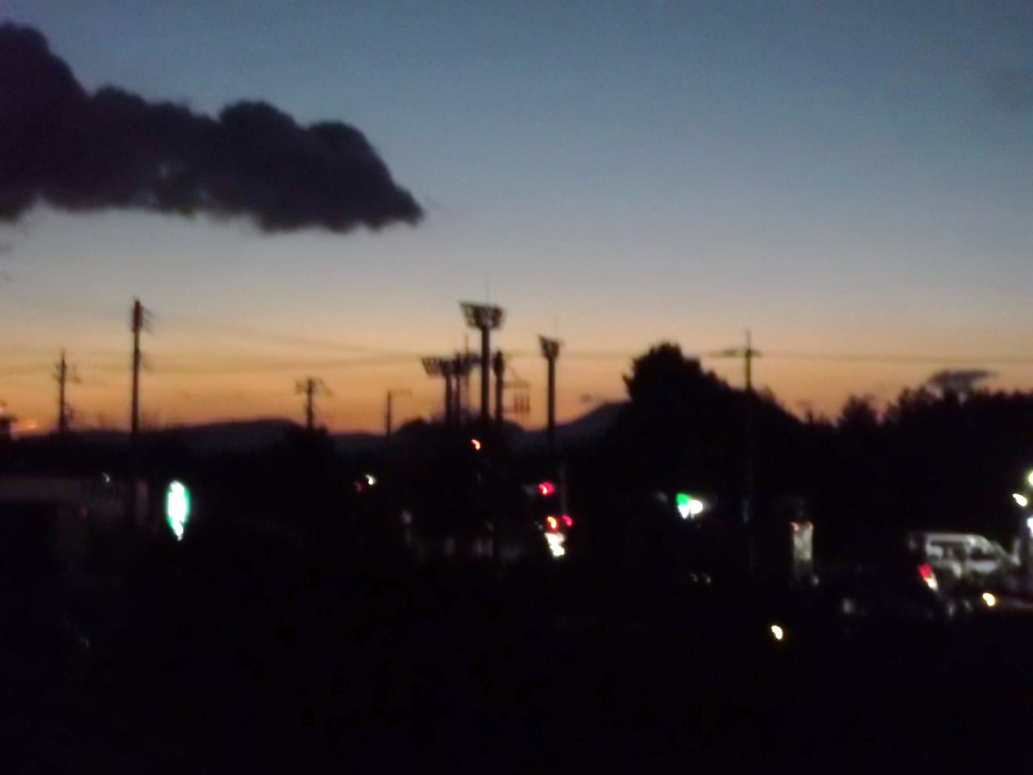 夕暮れの散歩...._b0137932_19132548.jpg