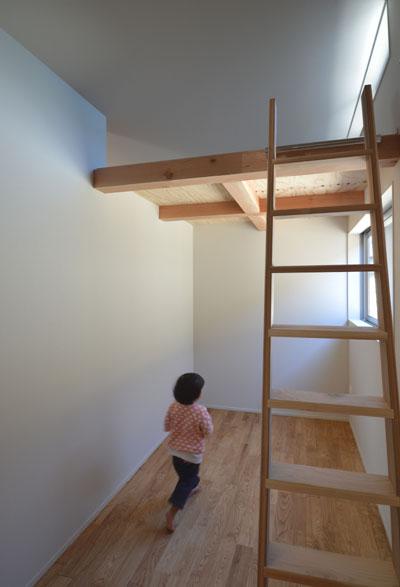 ロフトのある子供部屋_b0183404_19544511.jpg