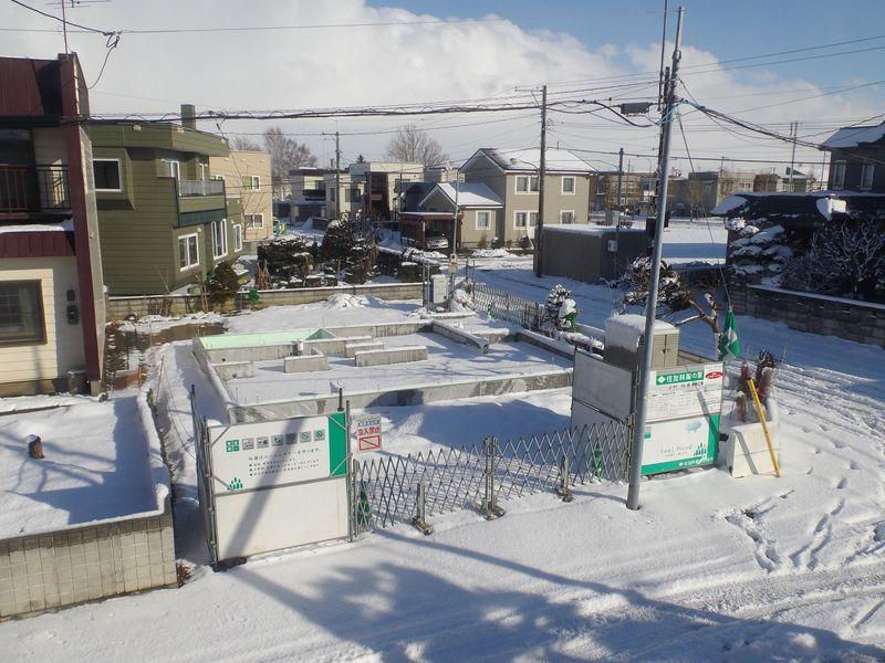冬に家を建てるのは大変_c0025115_19011051.jpg