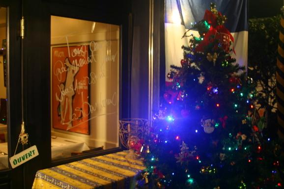 クリスマスツリーがやってきました!_e0190216_23152331.jpg