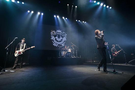 映画『カノ嘘』から飛び出した2バンドが最初で最後のカップリングライヴで渋公のステージに_e0197970_80616.jpg