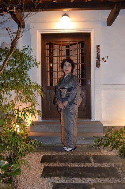 藍染の大島に、おしゃれ袋帯を締めて忘年会へ_d0230676_1429479.jpg