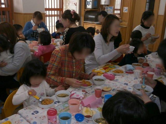 もも組 保育参観と給食懇談会_e0148419_1646574.jpg
