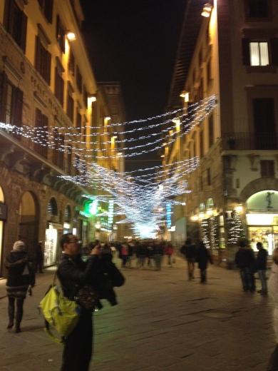 12/12/2013 フィレンツェのクリスマスイルミネーション_a0136671_03472772.jpg