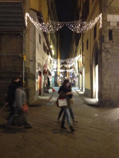 12/12/2013 フィレンツェのクリスマスイルミネーション_a0136671_05132776.jpg