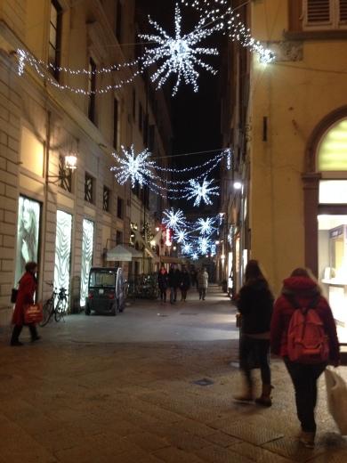 12/12/2013 フィレンツェのクリスマスイルミネーション_a0136671_05151219.jpg