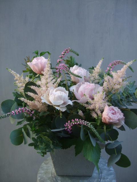 オークリーフ(淡いピンクのバラのアレンジメント)_f0049672_14121670.jpg