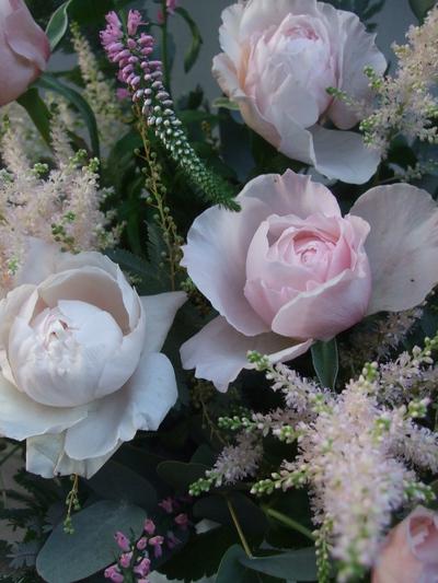 オークリーフ(淡いピンクのバラのアレンジメント)_f0049672_1412894.jpg