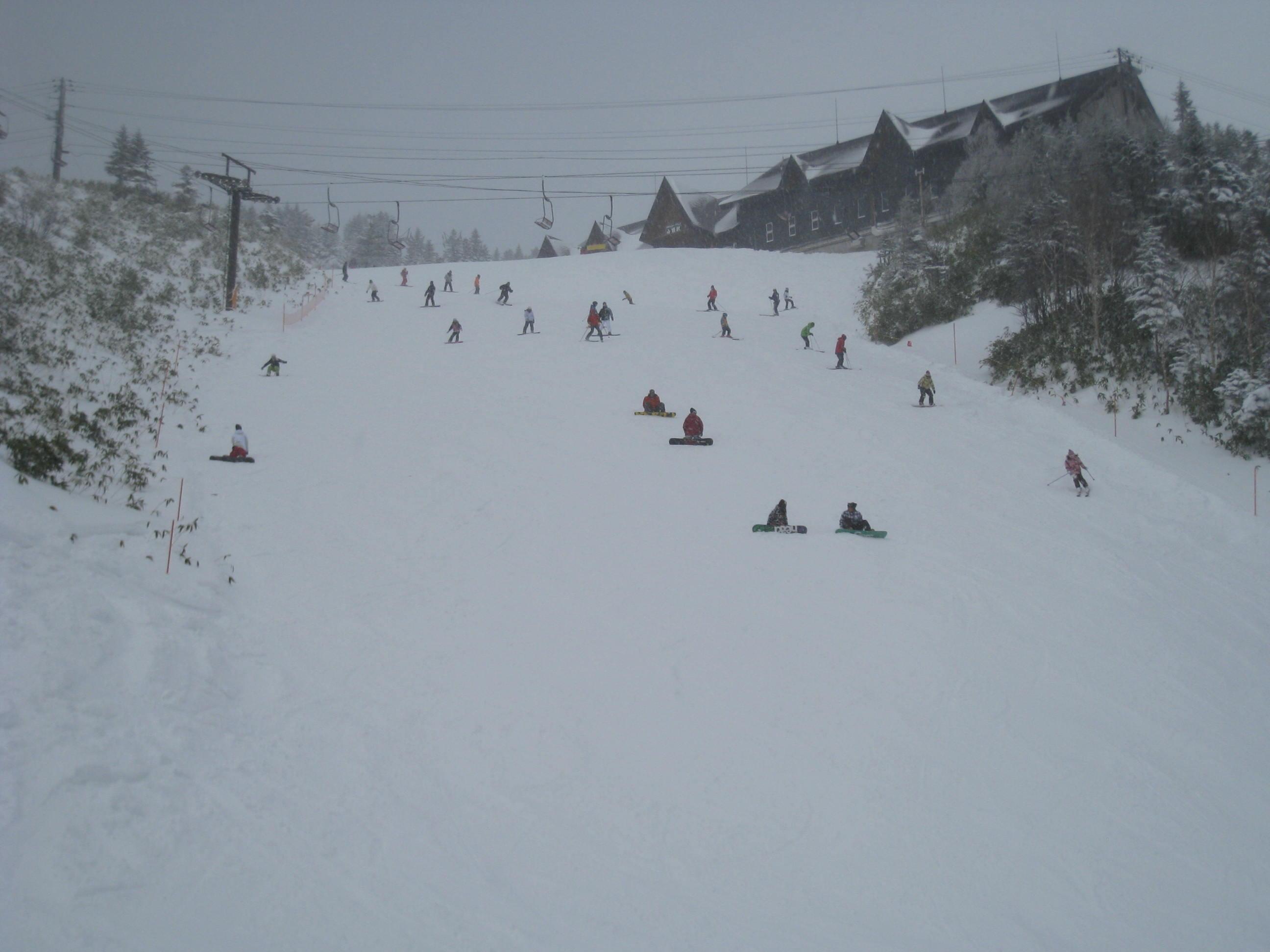 祝 草津国際スキー場オープン!_a0057828_2335474.jpg