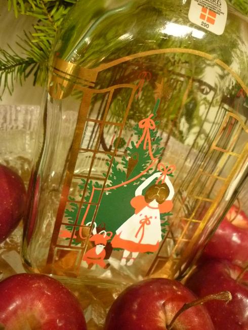 ミニマリアから アドベントを楽しむ贈り物 ホルムガードHolmegaad のクリスマス・ボトル 。*:・゚`☆*†_a0053662_15244043.jpg
