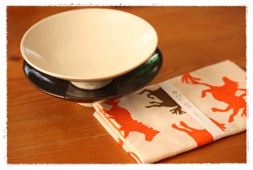 Saita連載と、京都で買った器_b0165178_1115475.jpg