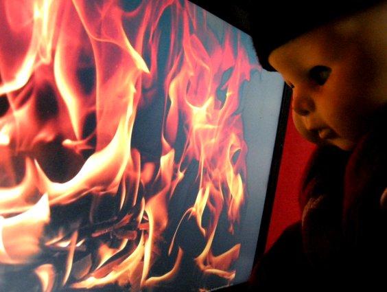 ▼[ちびこもんず] 火よ、我と共に歩め_d0017381_22162954.jpg