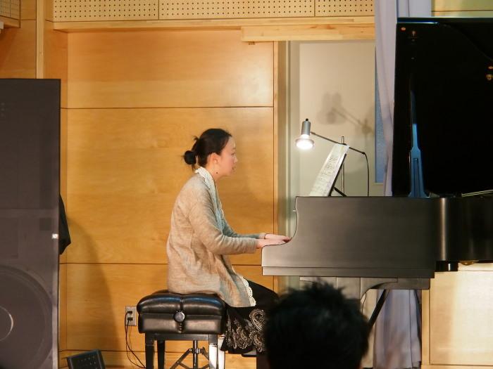 2013.12.14 ピアノ発表会(南陵病院サウスガーデン・久留米市)_a0149488_21222368.jpg