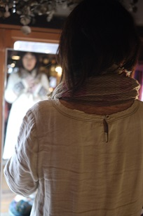 ①ショール巻きまき大会!~玉木新雌のショール展Ⅱ~_f0226293_9225220.jpg