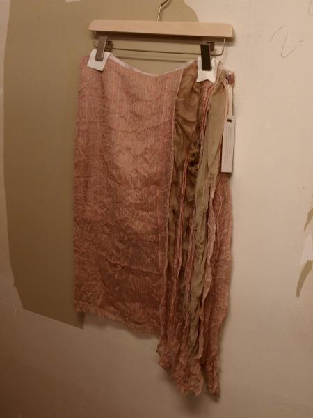 着れる芸術作品 HAUTEのアンティークシルクのスカート_e0122680_19372398.jpg