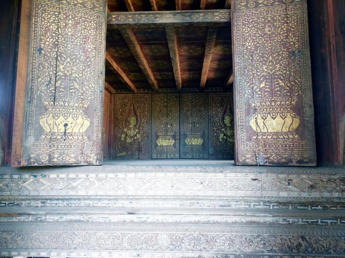 ヴィエンチャン最古の寺院、ワット・シーサケット_d0116009_1011346.jpg