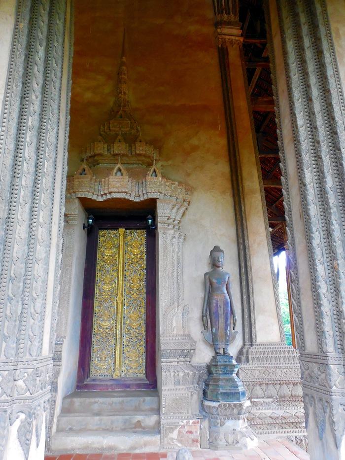ヴィエンチャン最古の寺院、ワット・シーサケット_d0116009_10163592.jpg