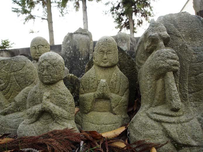 円福寺の石仏 - Ⅲ                 新潟県・長岡市_d0149245_2139477.jpg