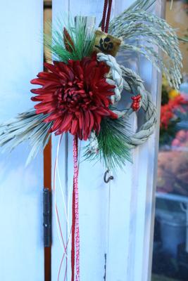 今年もしめ飾り登場!!!(クリスマス飛び越えて.....><;)_e0149863_17183174.jpg