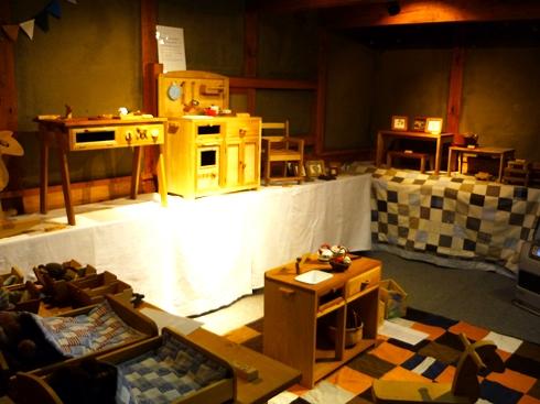 中棚荘での展示が始まりました。_f0227395_10351854.jpg