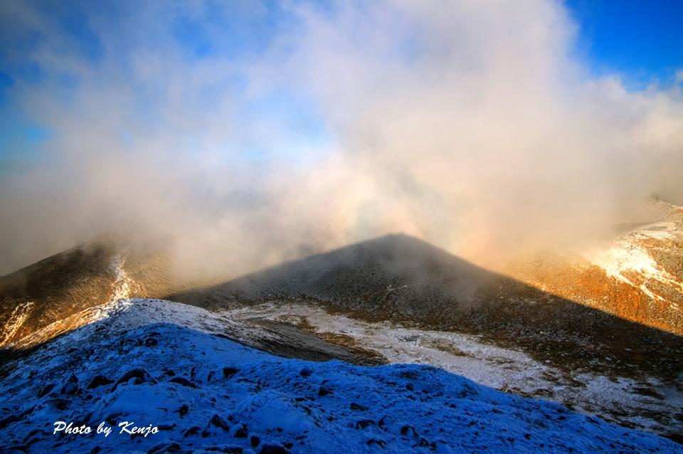 濃霧と暴風と時々絶景の九重・稲星山へ朝駆け。_a0097006_195362.jpg