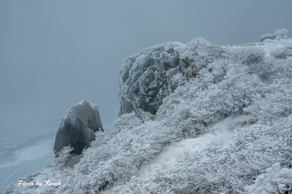 濃霧と暴風と時々絶景の九重・稲星山へ朝駆け。_a0097006_1981737.jpg
