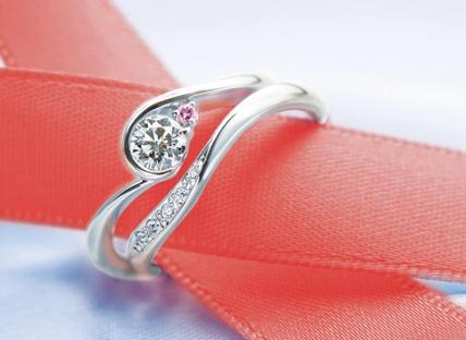 なぜ…婚約指輪はダイヤモンド...(ω・ )ゝ?_b0309424_17162298.jpg