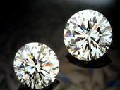 なぜ…婚約指輪はダイヤモンド...(ω・ )ゝ?_b0309424_1732640.jpg