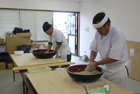 新蕎麦の収穫祭だ!_e0175370_14165170.jpg